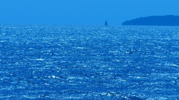 distant-ocean-sea-yacht
