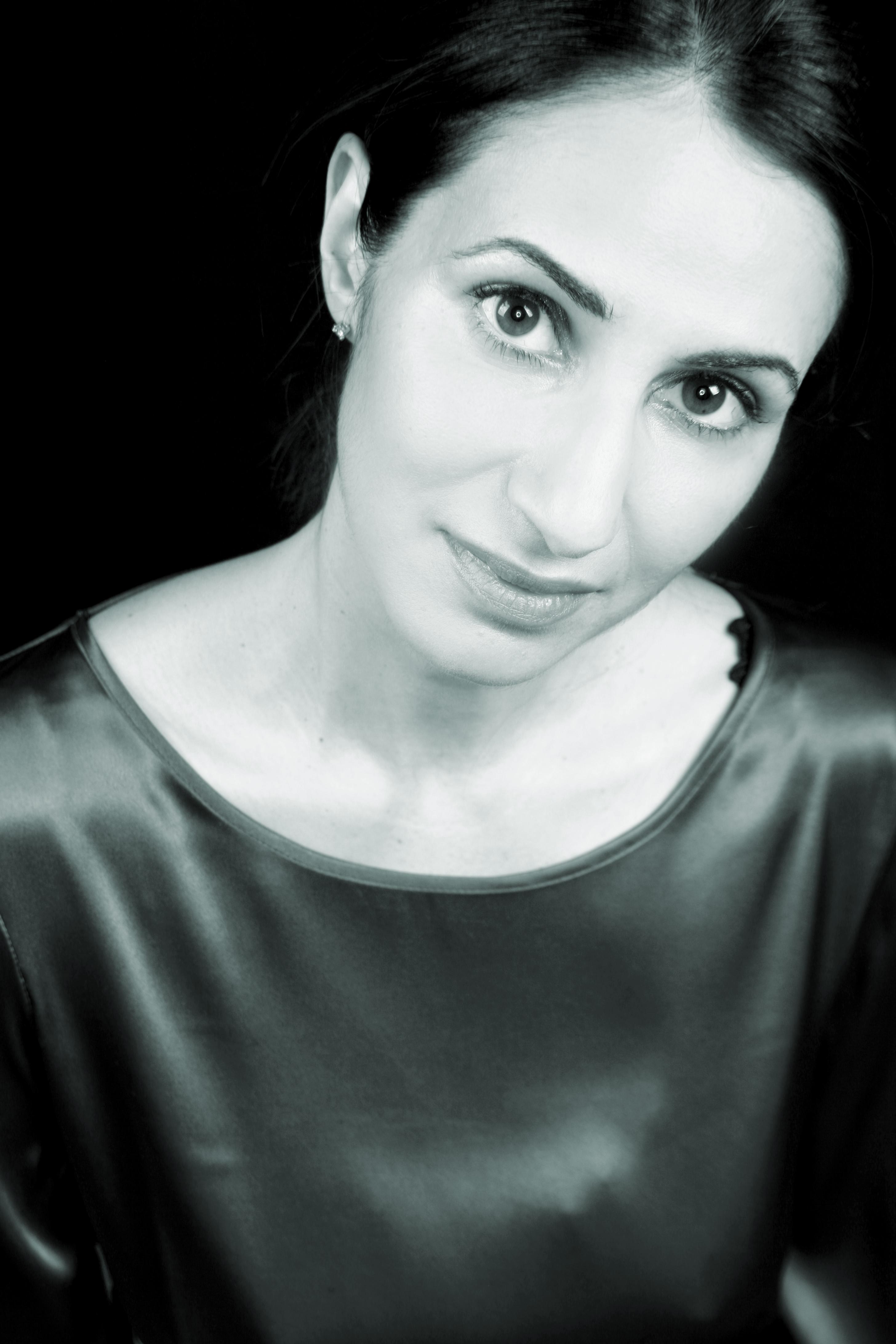 Mona Arshi